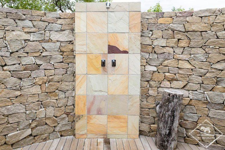 Douche extérieure, Arathusa Safari Lodge