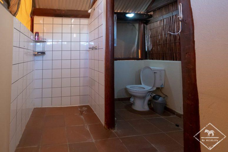 Salle de bain du Gharagab Wilderness Camp