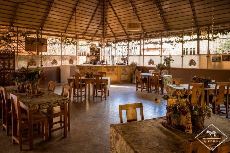 Salle à manger de l'Ikweta Safari Camp